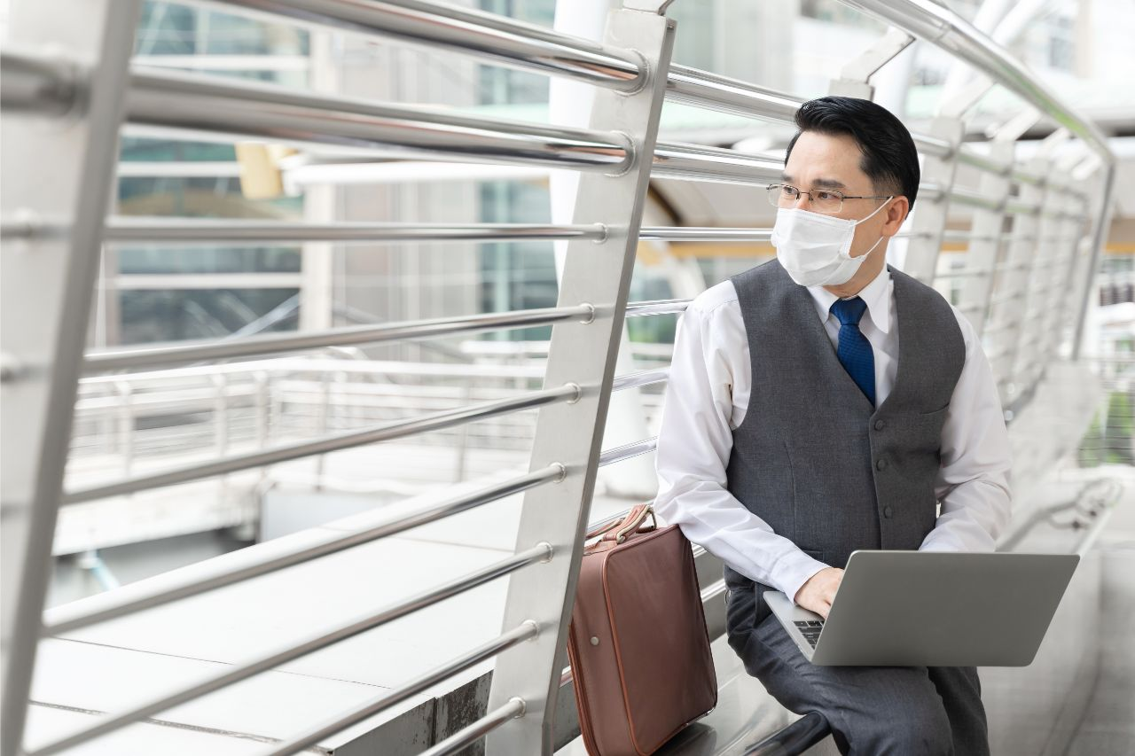 5 Tips For Men's Office Wear
