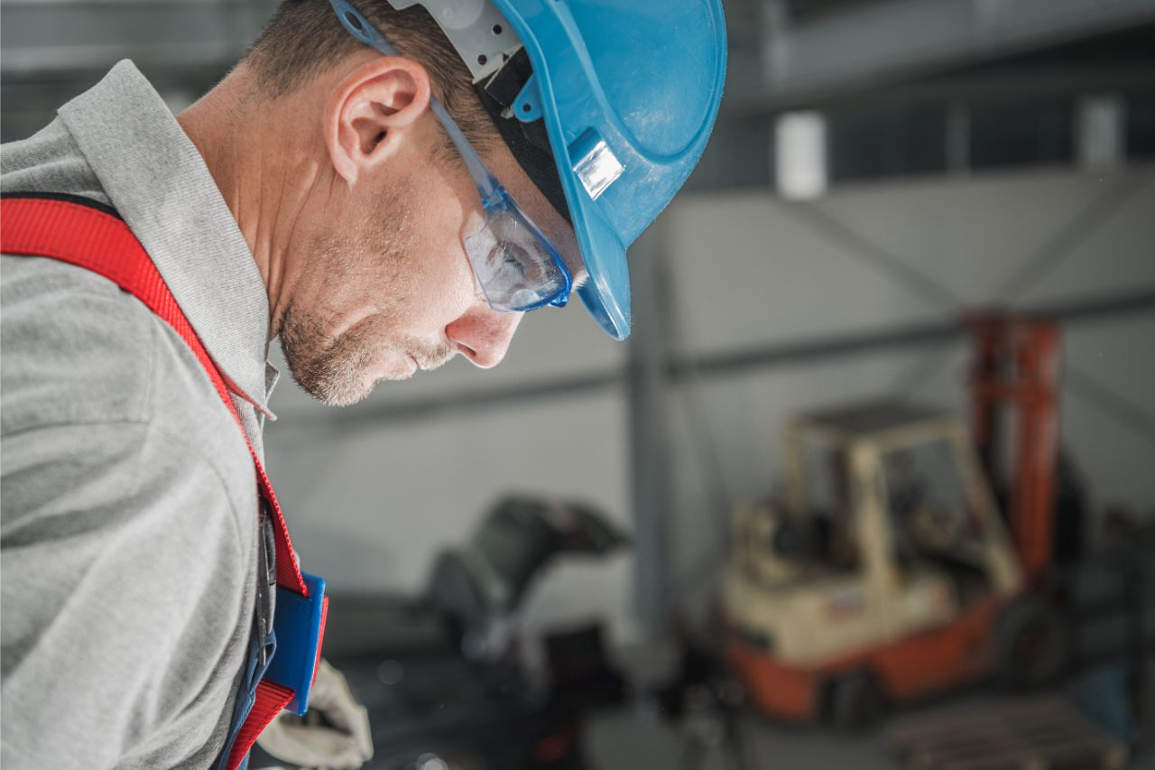 4 Jobs That Require Eye Protection